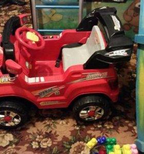 Машина детская с пультом