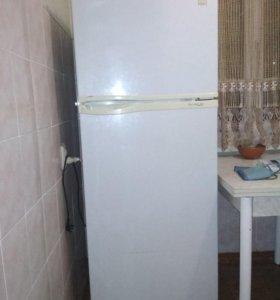 Холодильник Daewoo FR-3501
