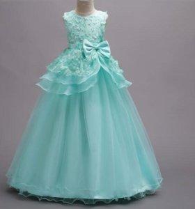 Платье торжественное. Новое