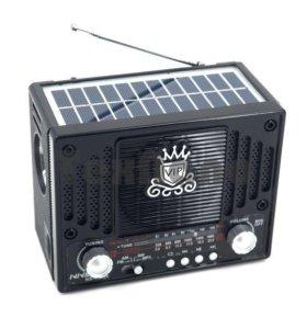 Аккумуляторный приемник с солнечной панелью