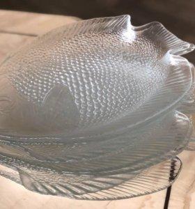 Стеклянные тарелки в форме рыбок