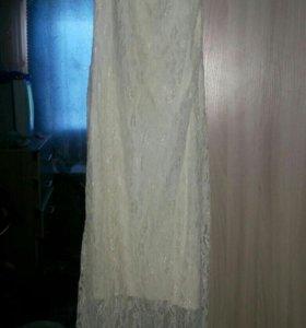 Белое платье в пол