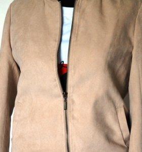 Бежевый бомбер замша / летняя куртка ветровка 42р