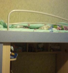 Двухярусная кровать