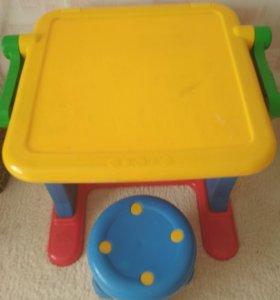 продам стол и стульчик и детскую коляску