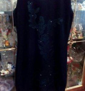 Платье бархатное.