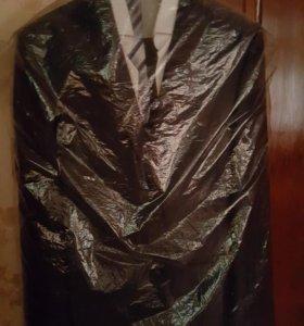 Новый школьный костюм