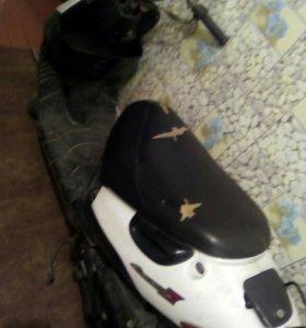 Suzuki Lets2 (скутер)