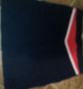 Спортивная юбка, джинсы и капри 150 за все