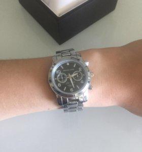 Продам новые часы