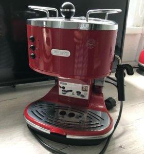 Продам кофемашину Delonghi ECO310