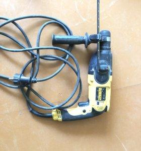 DewaLT Перфоратор модель D25013