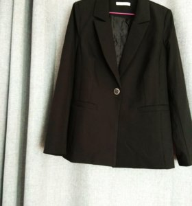 Пиджак женский, классика 46-48р черный.