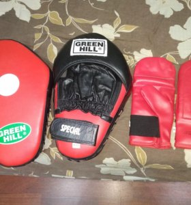 Лапы для бокса и перчатки green hill