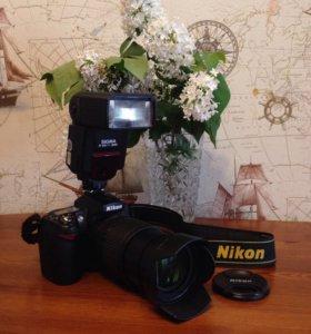 Зеркальный Nikon D90+вспышка