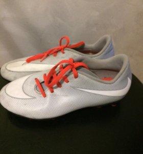 Продам бутсы Nike