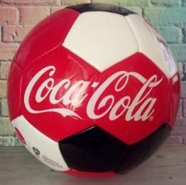 Футбольный мяч Кока-кола 2018