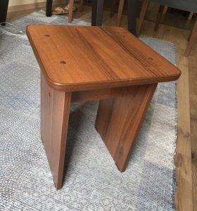 Табурет деревянный, 2 шт.