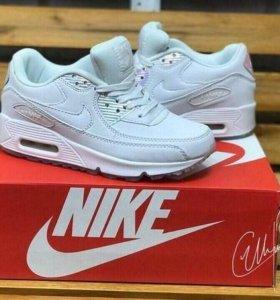 Кроссовки найк Nike новые женские