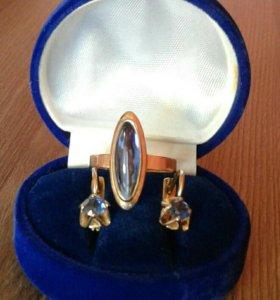 Золотой комплект. Серьги и кольцо.583 пр.