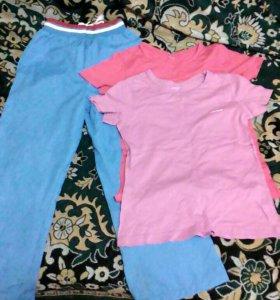 Спортивные штаны и футболки на девочку 9-10 лет.