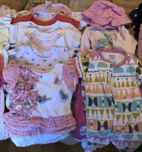 Пакет вещей на девочку от 6 до 12 месяцев.