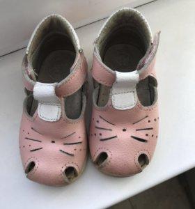 Босоножки (туфли, сандали)