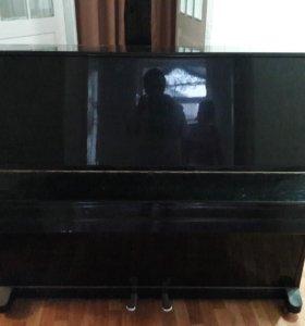 Продается пианино в хорошем состоянии срочно