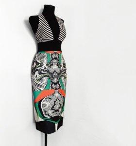 Новое фирменное платье