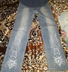 Джинсы и джинсовый комбинезон для беременных