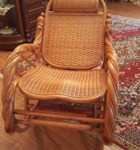 Кресло качалка из бамбука