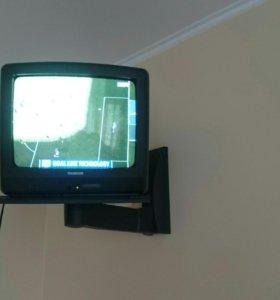 Телевизор Thomson (диагональ 36 см) с кронштейном