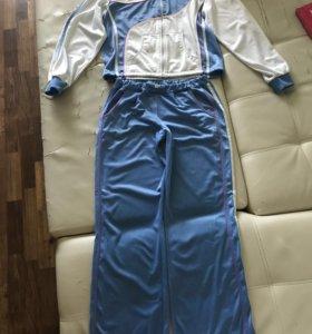 Женский спортивный костюм на флисе