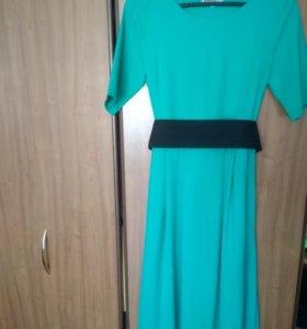 Длинное зеленое платье в пол, одето 1раз на выпуск