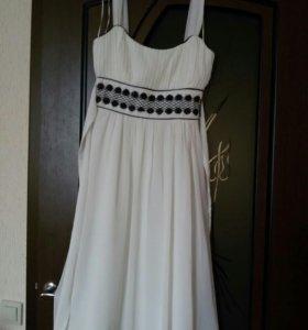 Платье очень красивое, XS