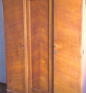 Ретро шкаф 50-х годов прошлого века