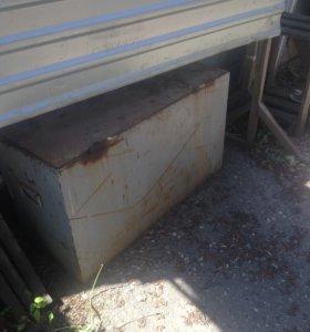 Ящик металлический продаю