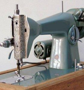 """""""Singer"""" старая машинка в рабочем состоянии"""