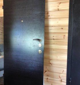 Дверь металлическая с накладкой