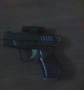 Пистолет -Зажигалка с фанариком и лазарем