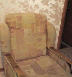 Кресло раскладное, б/у, в хорошим состоянии. 2 шт.