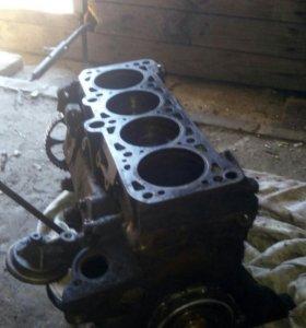 Блок двигателя в сборе, без головки. PF