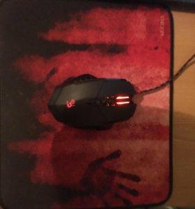 Игровая мышь Bloody V7M + коврик