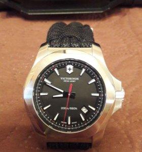 Кварцевые швейцарские часы Victorinox