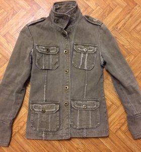 Легкая курточка женская