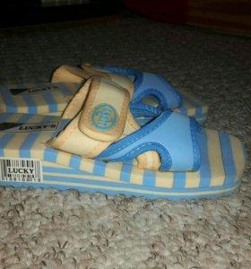 Пляжные сандалии ( новые )