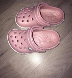 Обувь для девочки в отличном состоянии