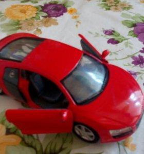 Машинка ауди R8