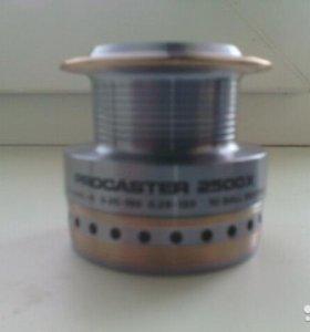 Шпуля Daiwa Procaster 2500X