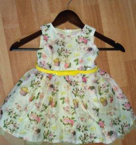 Нарядное платье на девочку (74-86 см)